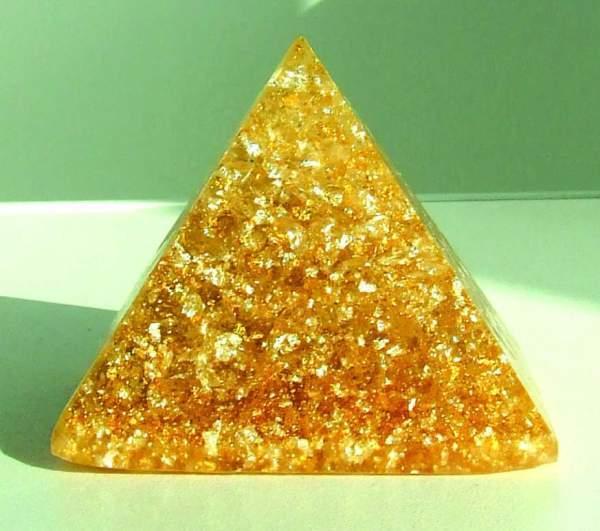 Goldene Sonnenpyramide