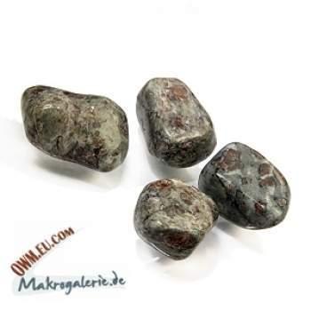 Eklogit/Granat-Pyroxenit, Tessin Schweiz, gebohrt